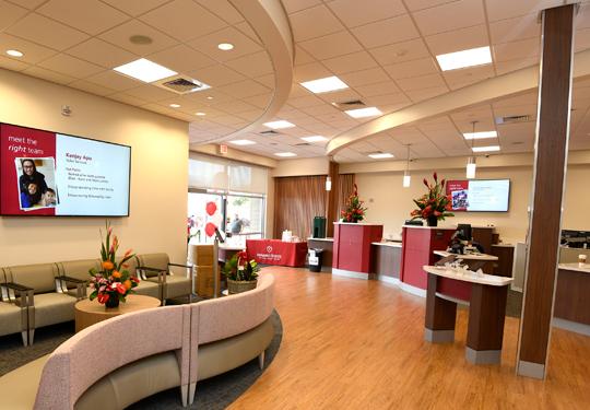 Kahului-interior-lobby-540x375